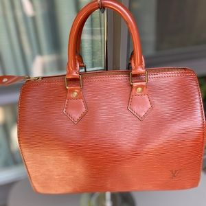 Authentic Louis Vuitton Speedy 25 in Epi